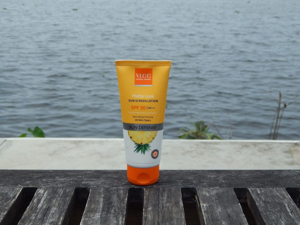 VLCC Matte Look Sunscreen Lotion SPF 30 PA+++: Review