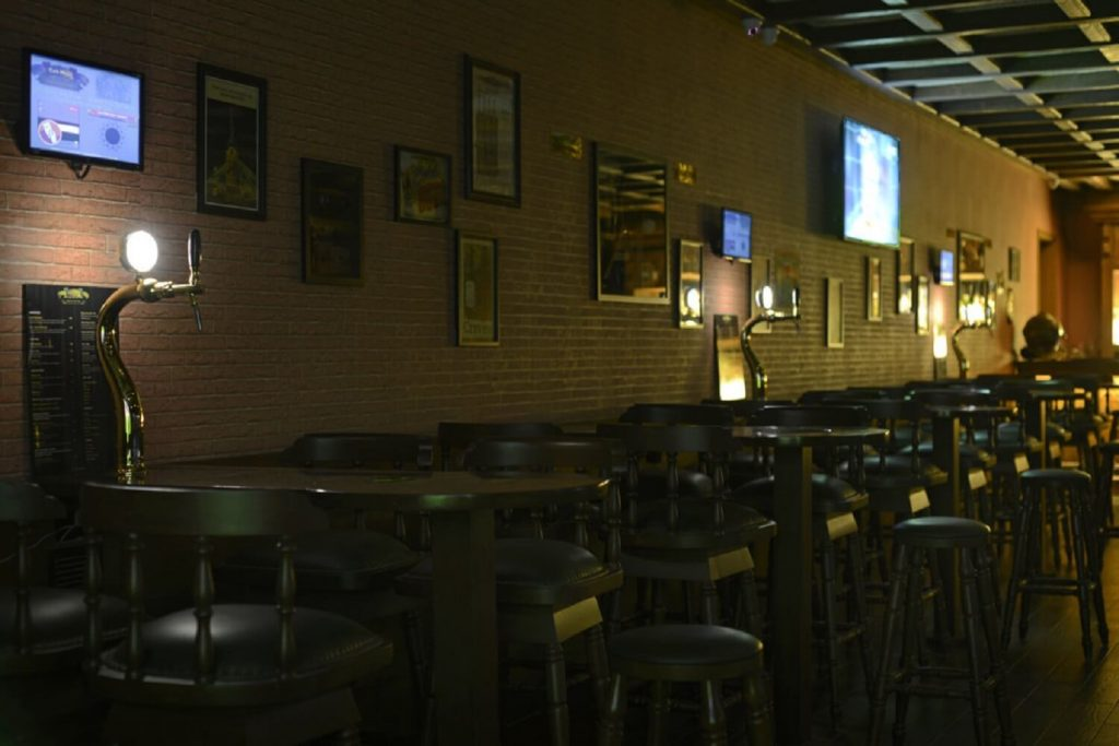 Watch out for this E Beer pub with delicious food in Andheri!