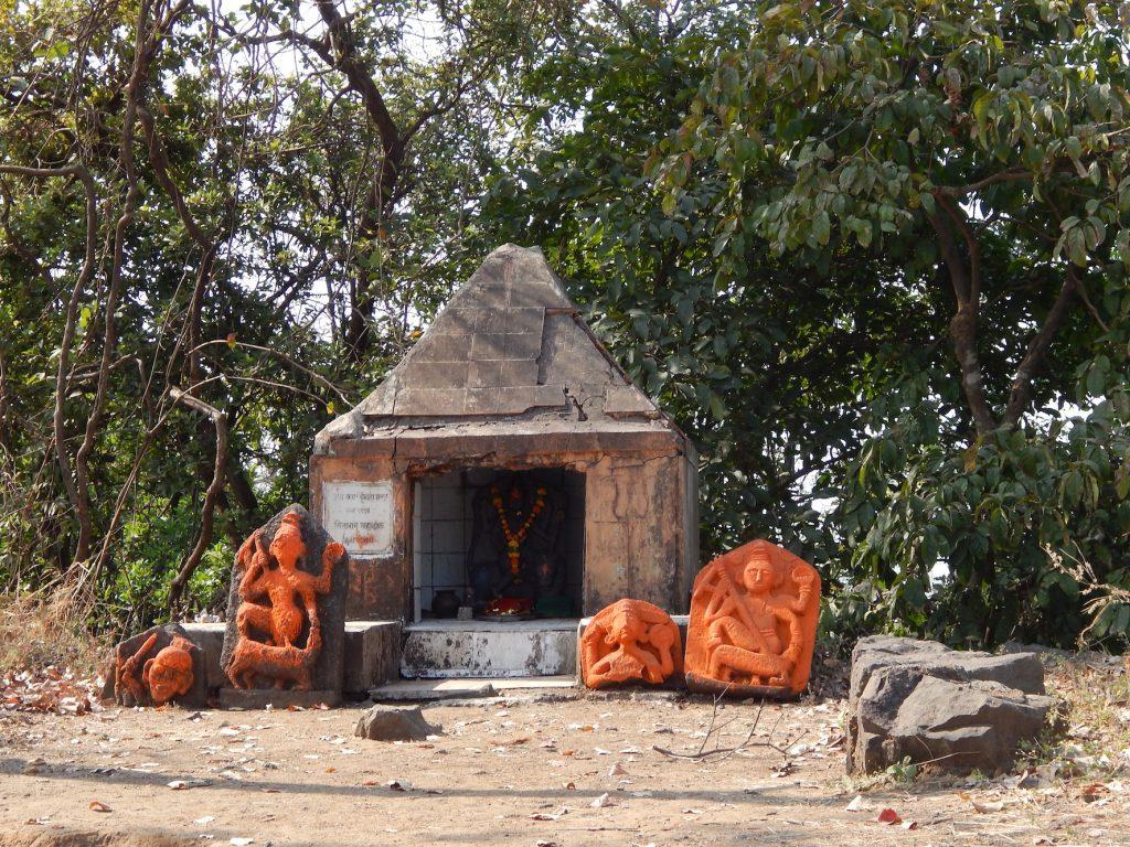 Temple Karnala Fort