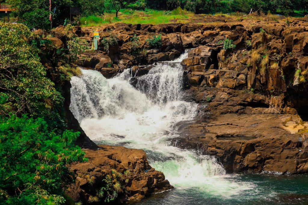 Famous waterfalls Maharashtra Randha Falls